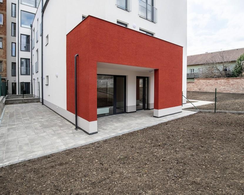 Nový byt se zahradou aterasou vcentru Brna