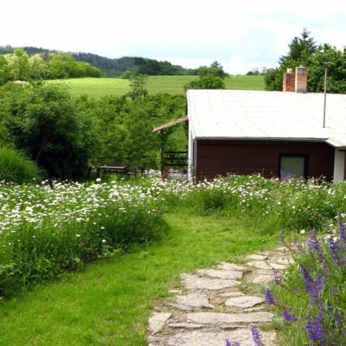domy pod hruškou se zahradou na prodej